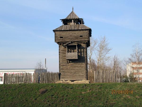 Купить памятник на кладбище Мокшан Эконом памятник Арка с резным профилем Пестово